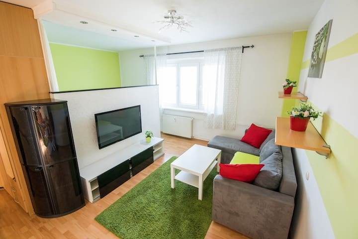 ⭐️Cozy apartment in brick house close to Old Town⭐️