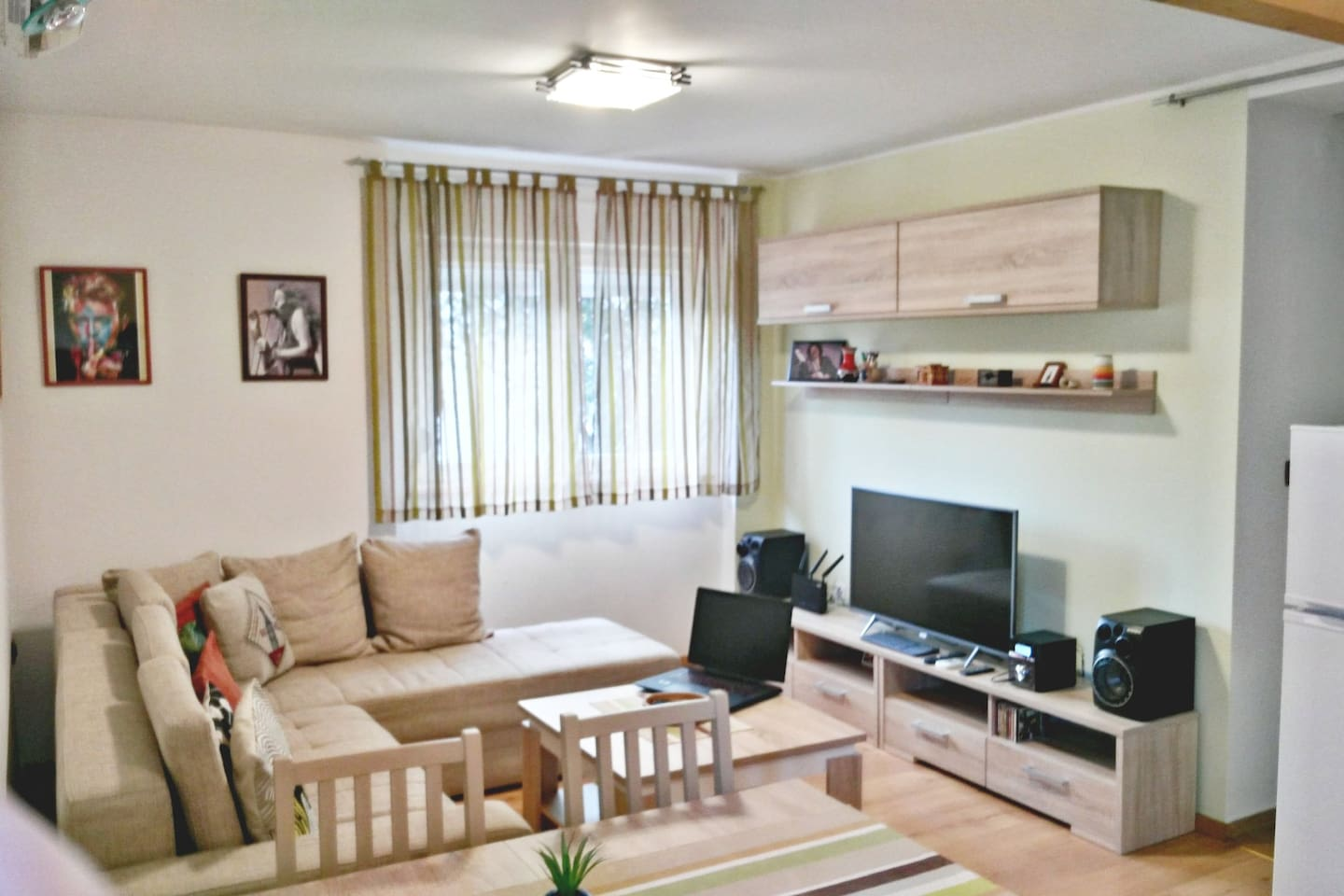 Living room + sitting area + TV and multimedia