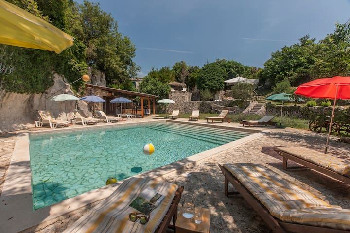 Cave Romana, Pula, up to 11, pool, rural location,