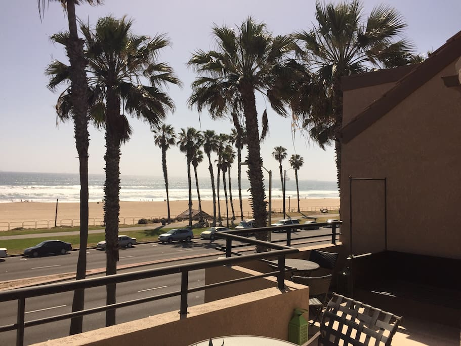 2 Bedroom Condo On Pch Great View Apartments For Rent