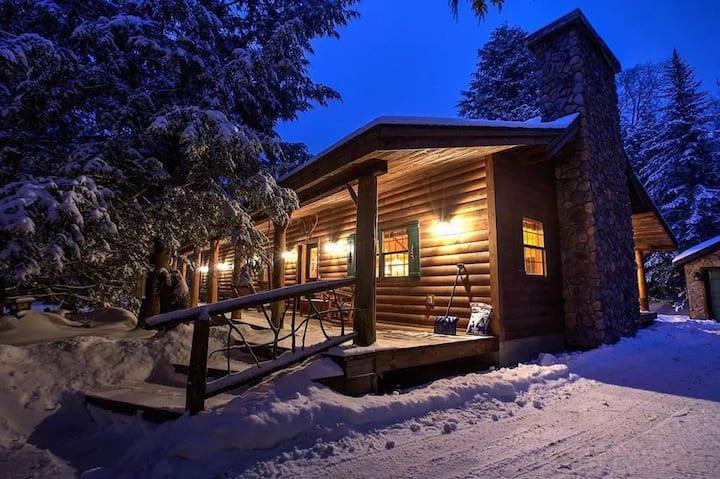 Charming Adirondack Log Cabin Mirror Lake access