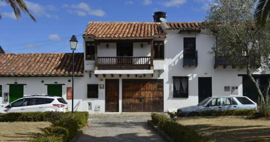 Hostal El Alferez Habitación Cuadruple