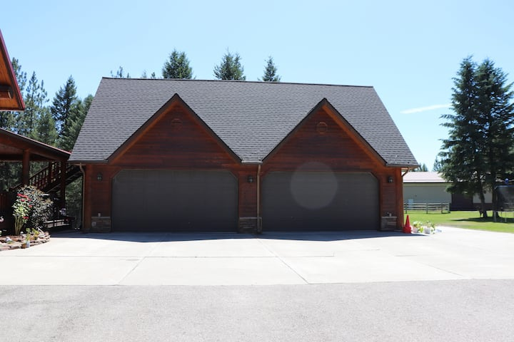 Molasses Acres, relaxing private Apt in Western MT