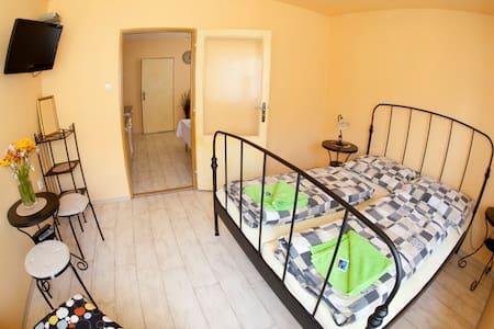 Velké Karlovice, Celnica - krásný a čistý apartmán - Velké Karlovice - Lägenhet