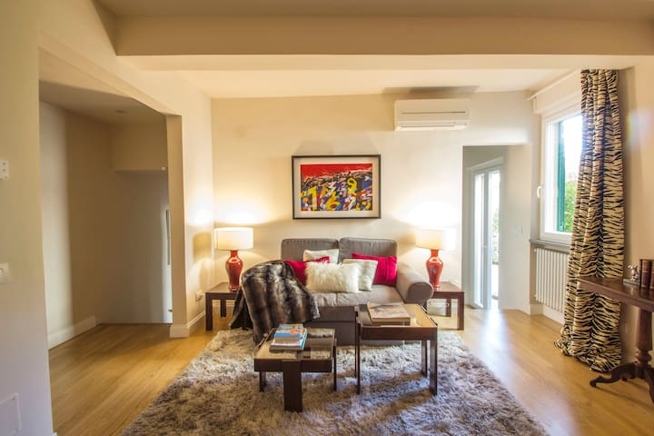 Charming apartment in S. Frediano