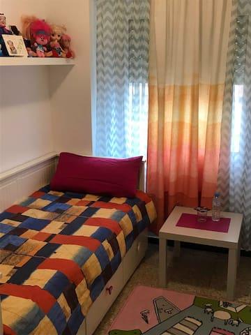 habitacion individual en Barcelona,Glorias