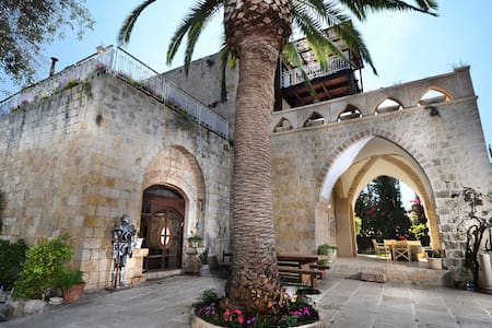 A historic castle by the beach!- Suite - Kerem Maharal - 城堡