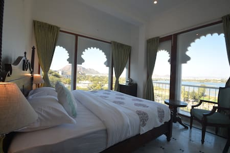 Burj Baneria, Lake Facing Boutique Homestay (1)