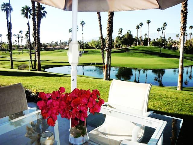 Beautiful  Condo In Palm Desert