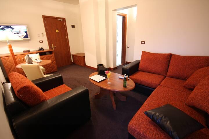 Plasma hotel superior suite