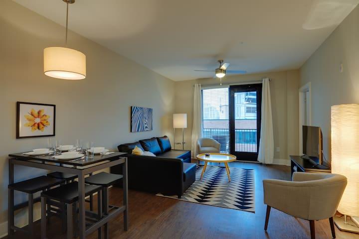 Luxurious One Bedroom in Midtown