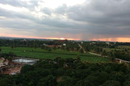 Perfect Getaway,Awesome View ,Bangalore Airport. - Bangalore