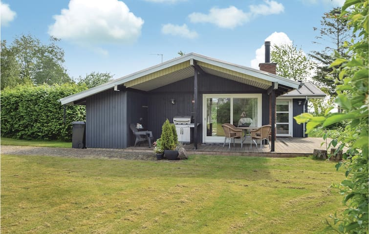 Holiday cottage with 3 bedrooms on 63m² in Børkop