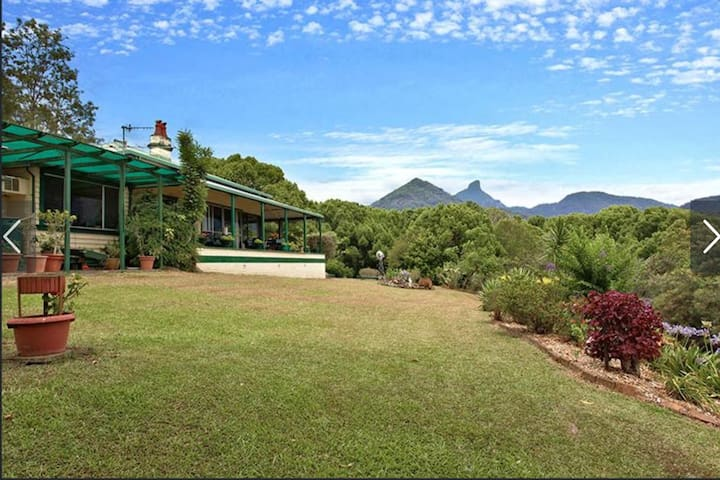 Magical And Cozy Cabin Close to Mount Warning