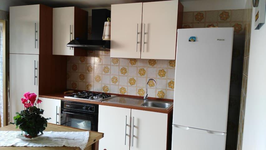 Jenny's house - 100mt from the sea - Casuzze - Flat