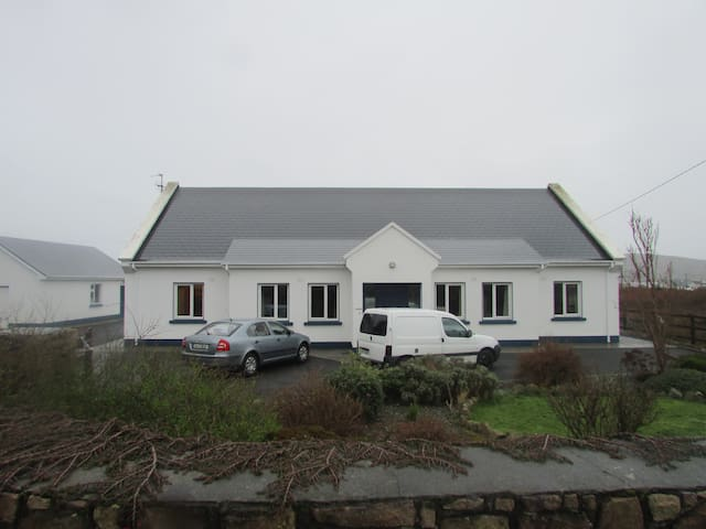 House in South Connemara - Bealadangan - Ev