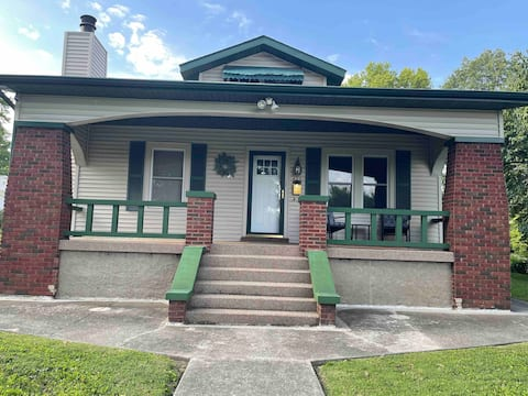 Newly Remodeled 1920 Craftsman Home