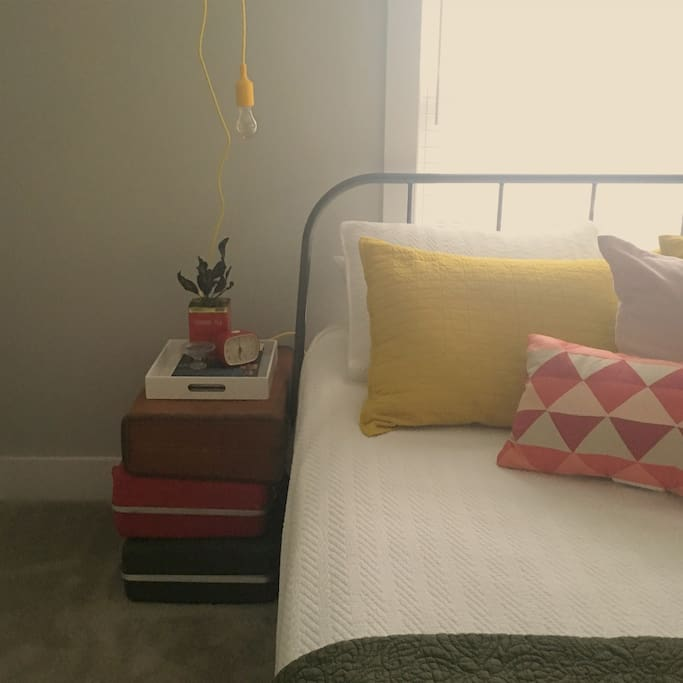guest room: queen bed