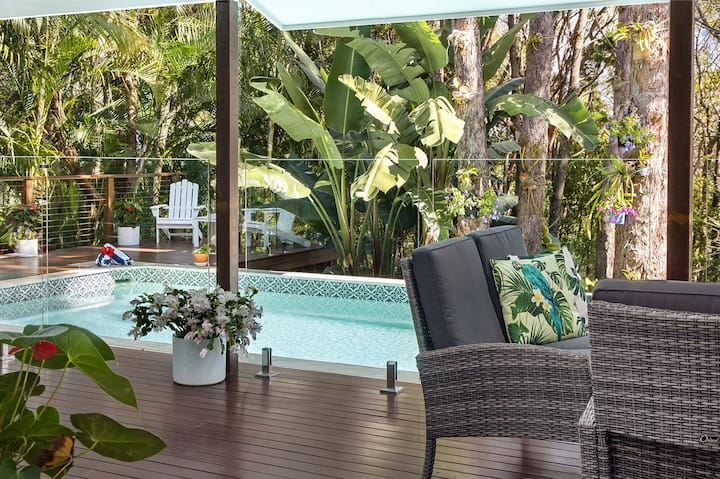 Stunning Noosa Heads private escape with pool - Apartments ...