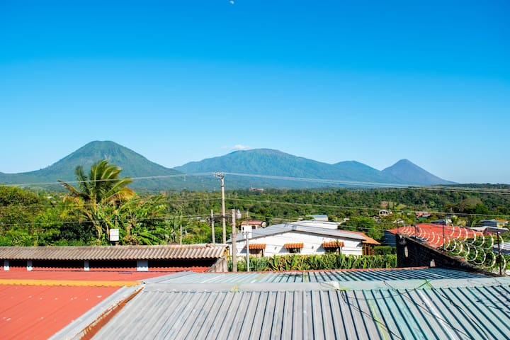 Mixtepek- Alojamiento en Juayua-Ruta de las flores