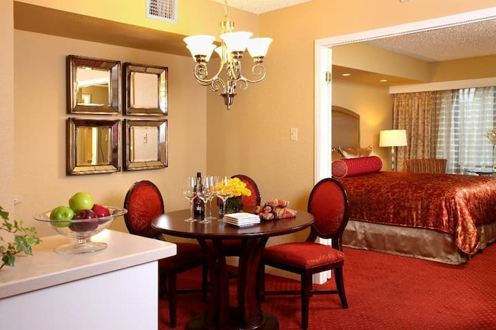 1BR Suite at the Jockey Club on Las Vegas Strip!