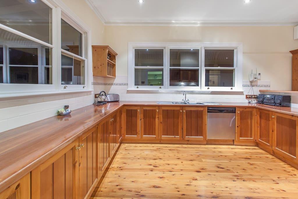 Modern Appliances - Huge kitchen great for groups