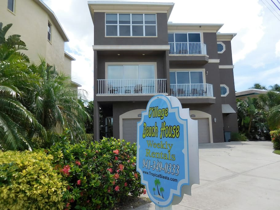 Three - story luxury townhome just steps from the beach and Siesta Key Village