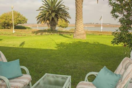 Waterfront cosy family apartment - Velddrif