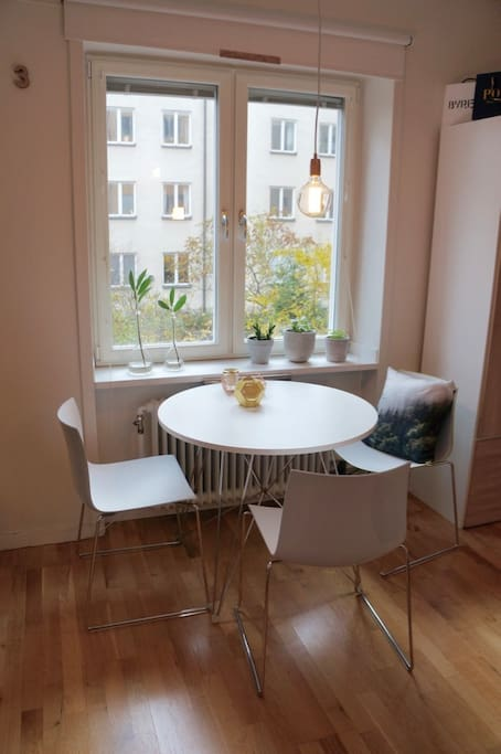 Dining area with room for 4 people.