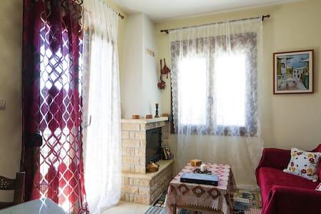 '' Χάρις '' Διαμέρισμα με θέα !!! - Karpenisi