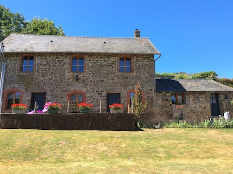 Relax & escape to Mayenne countryside English Host