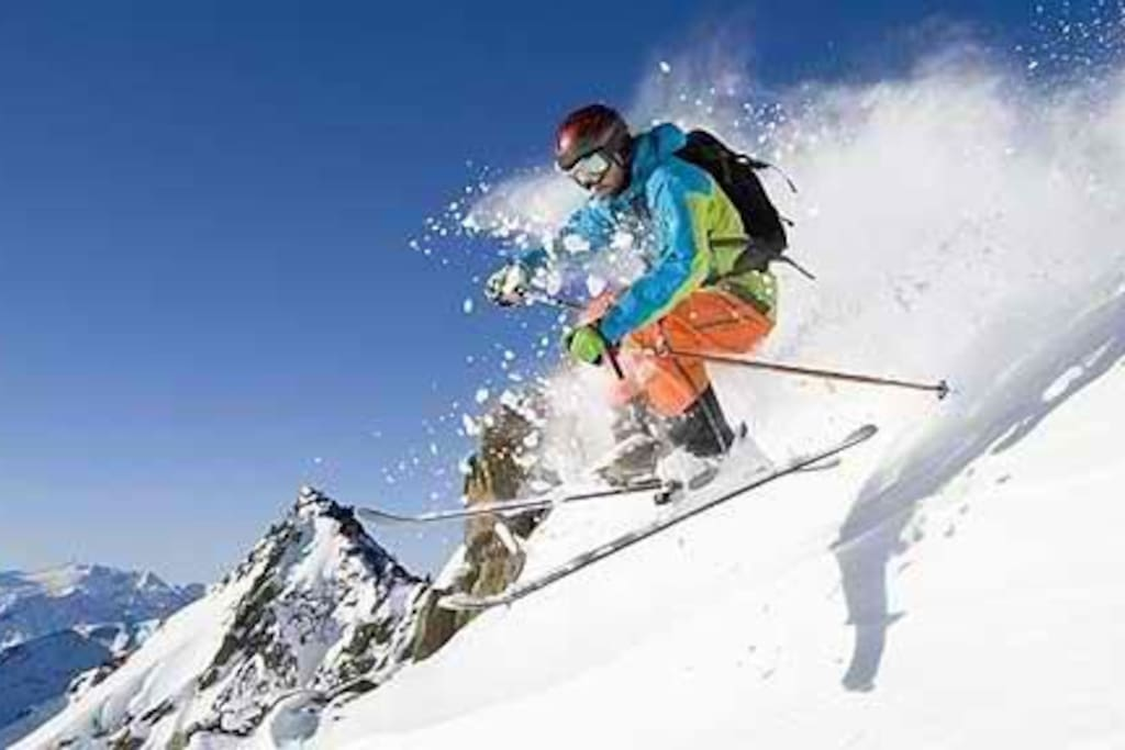Minutes to world`s best skiing - Solitude, Brighton, Alta, and Snowbird nearby