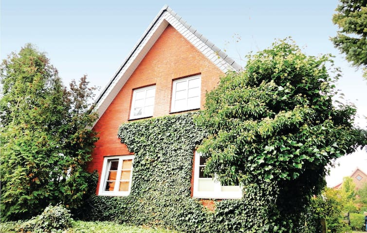 Holiday apartment with 1 bedroom on 53m² in Neudorf