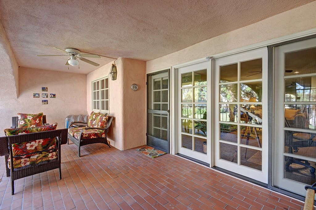 FRONT COVERED PATIO REVERSE rs