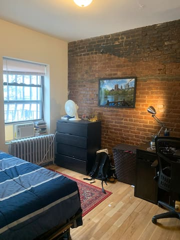 Spacious bedroom near NYU, June-August includes AC