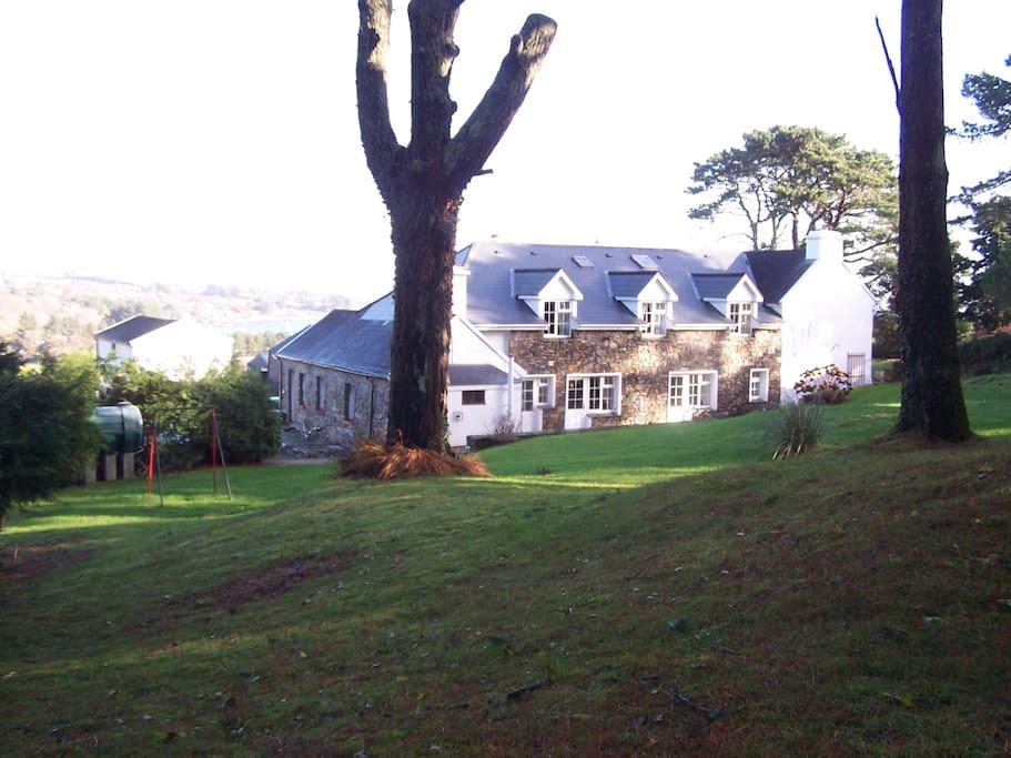 Bioran & Roskerig room overlooking large garden.