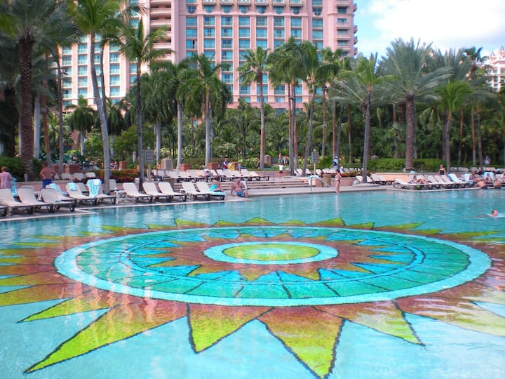 HARBORSIDE AT ATLANTIS-BAHAMAS-THE FUN STARTS HERE