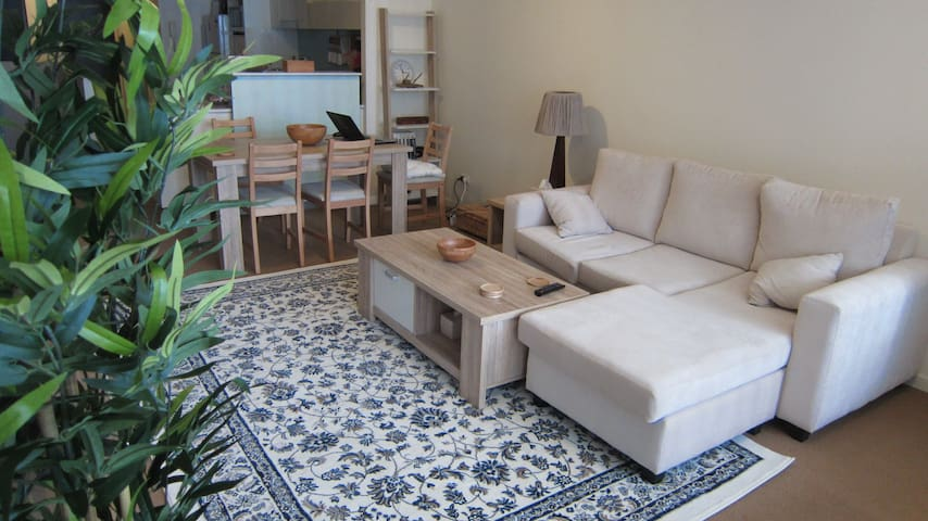 Private Single Bed in Living room - Ultimo - Apartment