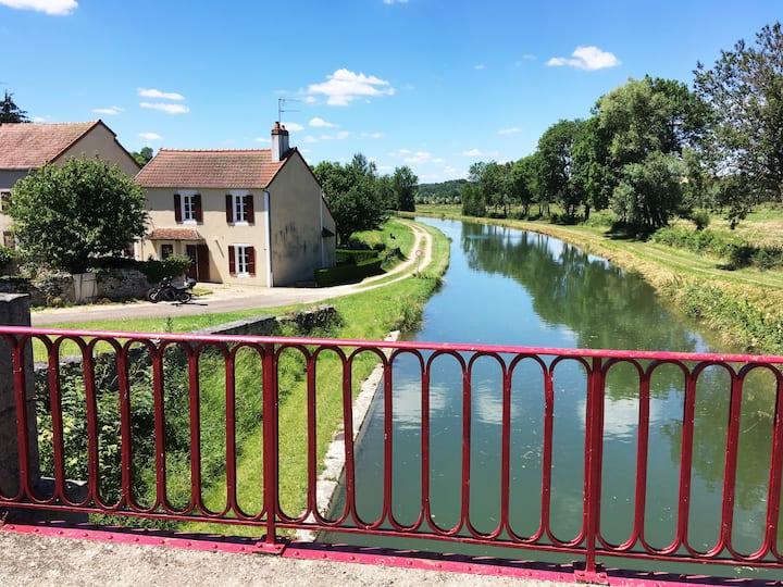 Maison de charme à Lucy sur Yonne