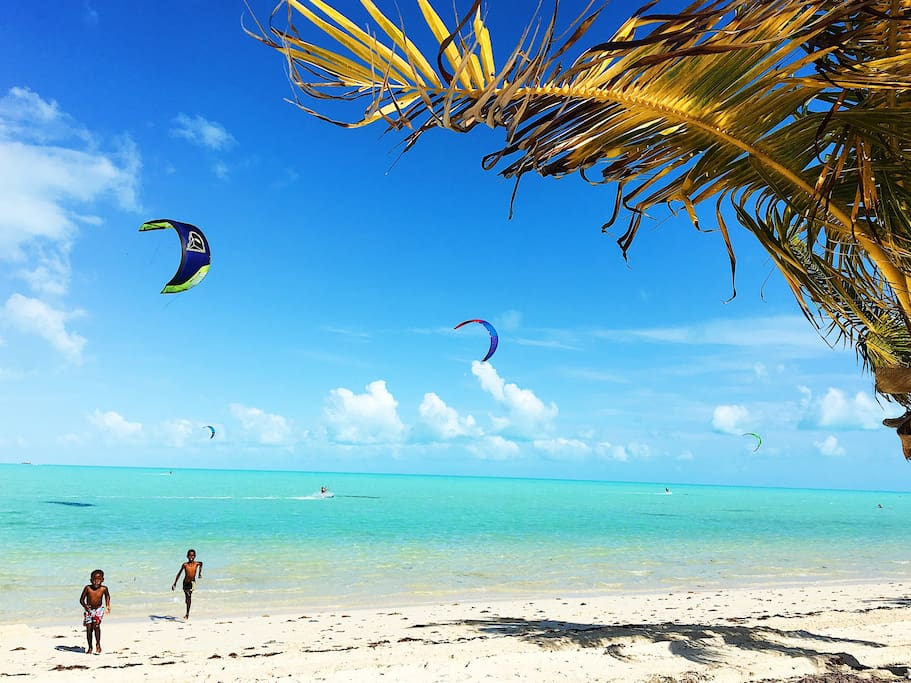 Minutes from Long bay Beach. Popular for kiteboarding!