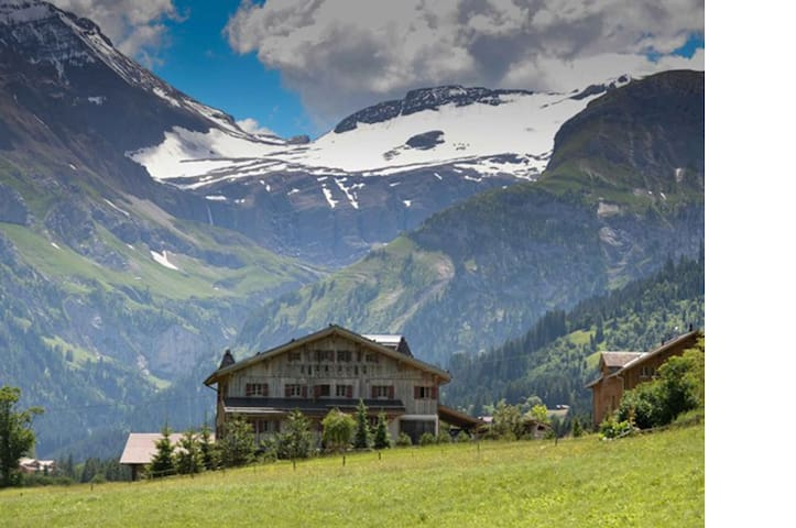 Super Luxurious Traditional Swiss Chalet with Spa