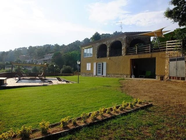 Beautiful house for 12 people with private pool and sea views - VALL-LLOBREGA - Rumah