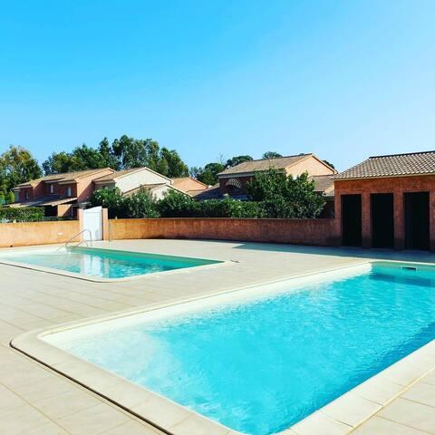 Mini-Villa avec jardin, 100m de la mer, Prunete