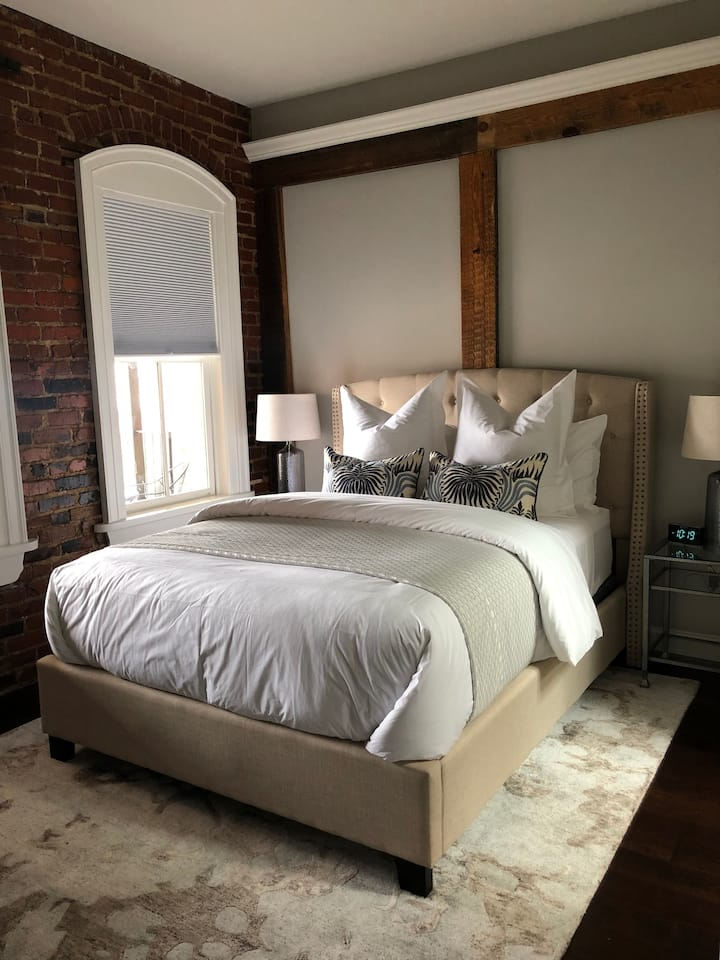 Haven Suite, The Loft on Davis, Culpeper Downtown