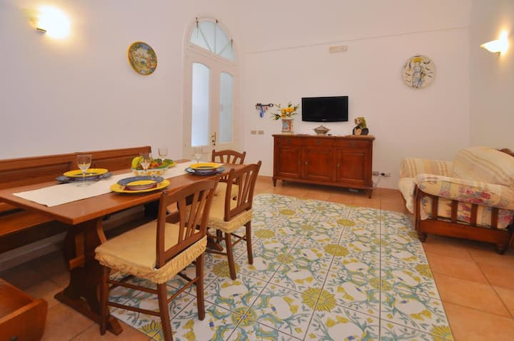 A Due Passi - Central Holiday Apartment in Amalfi