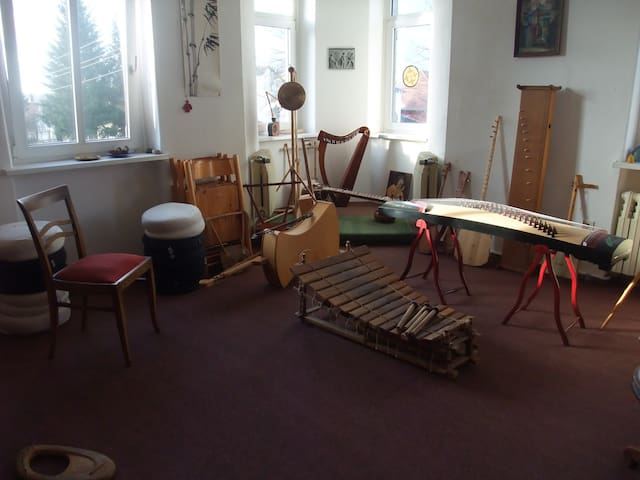 Romantische Villa im Grünen mit Musik