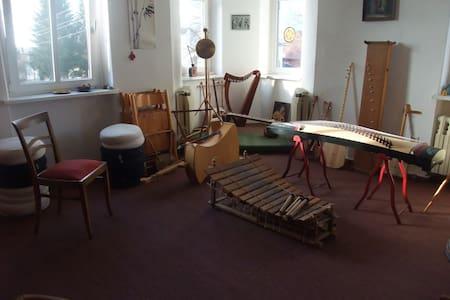 Romantische Villa im Grünen mit Musik - Weinböhla