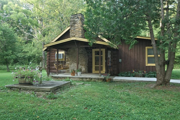 Shady Rest Log Cabin