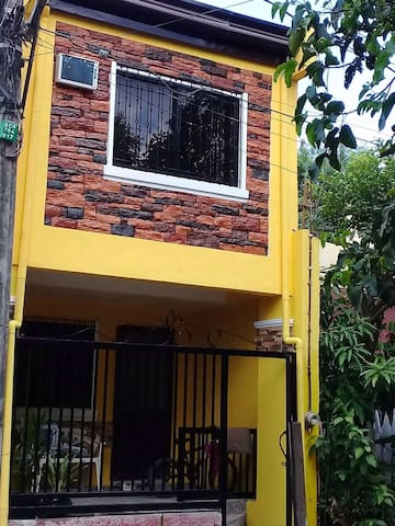 HOUSE FOR RENT IN MOLINO BACOOR