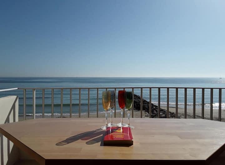 Right on the beach, facing the sea at Palavas